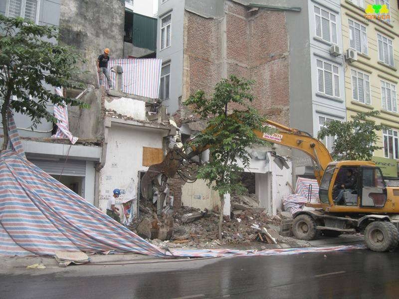 phá dỡ nhà dân cũ tại hà nội